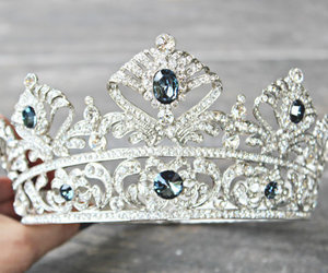 blue, chic, and crown image