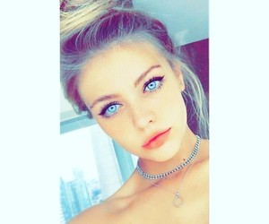 girl, lové, and beauty image