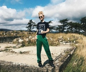 blonde, kathryn newton, and wicklow mountain image