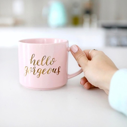 alisha marie and mug image