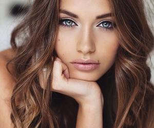yulia rose and model image