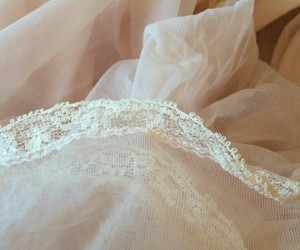 beautiful, lace, and messy image