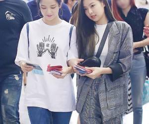 kpop, jisoo, and jennie image