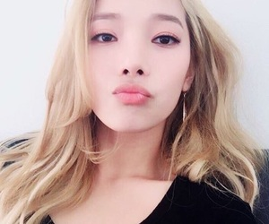 kpop, jeon somin, and somin image