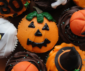 cupcake, autumn, and Halloween image