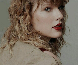 Taylor Swift, Reputation, and red image