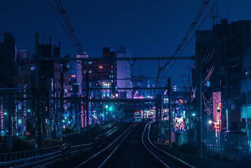 night and train image