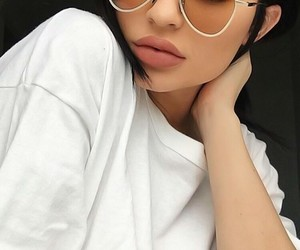 glasess, lips, and kylie jenner image