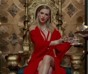 Taylor Swift, Reputation, and look what you made me do image
