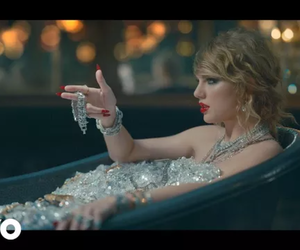 Reputation, look what you made me do, and Taylor Swift image