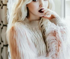 dove cameron and actress image