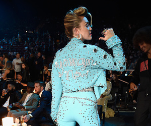 miley cyrus, vmas, and younger now image