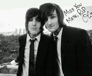 bring me the horizon, oliver sykes, and mitch lucker image