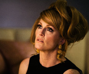 julianne moore and a single man image