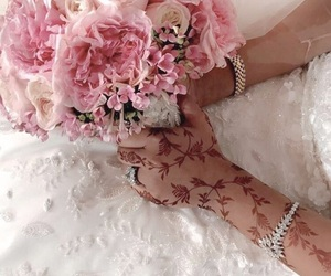 bride, Dubai, and fashionista image