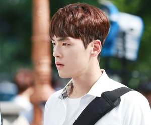 kim jung hyun and school2017 image