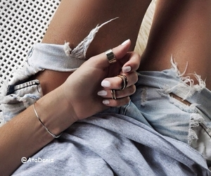 grunge, street style, and nails image