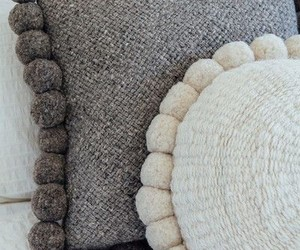 coussin, diy, and pompom image