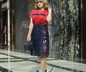 blonde, fashionista, and shoes image