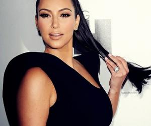 fashion, kim kardashian, and hairstyle image