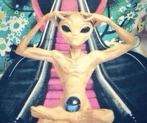 alien, trippy, and psychedelic image