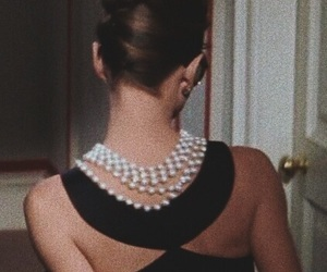 audrey hepburn, Breakfast at Tiffany's, and pearls image