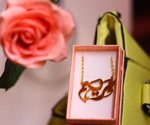 gold, maryam, and قلادة image