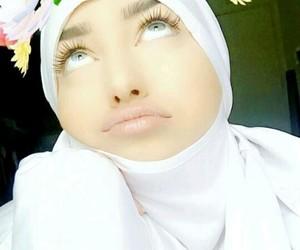 hijab, bg, and voilée image