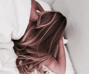 hair, blonde, and bed image