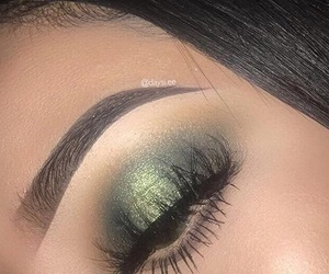 eye makeup, green, and greenery image