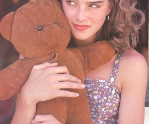 brooke shields and girl image