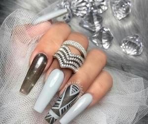 diamond and nails image