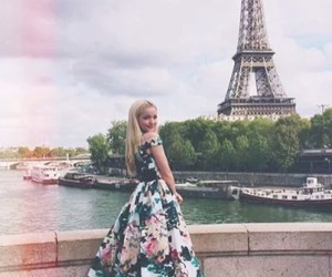 dove cameron and paris image