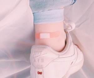 aesthetic, nike, and pale image