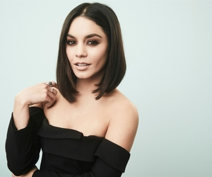 straight hair, vanessa hudgens, and black hair image