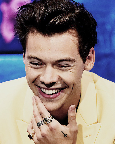 Harry Styles, yellow, and one direction image