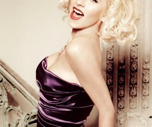 60s, christina aguilera, and hair style image