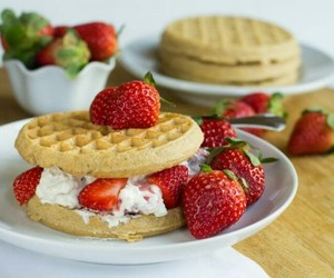 cream, food, and strawberry image