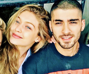 couple, zigi, and gigi hadid image