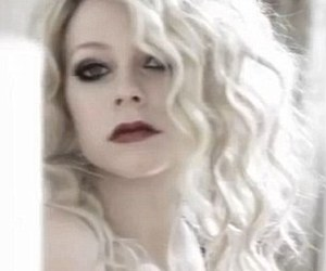 Avril Lavigne, beautiful, and curly hair image