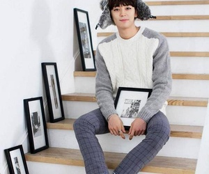 halo, handsome, and kpop image