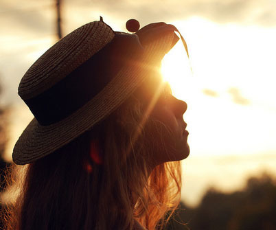 girl, sun, and hat image
