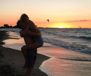aesthetic, beach, and couple image