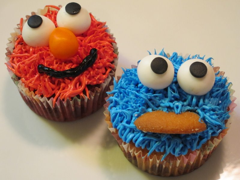 Elmo And Cookie Monster Cupcakes - Cookie Clicker