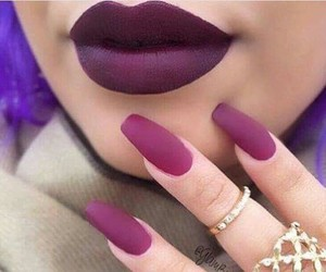 mauve, ongles, and bagues image