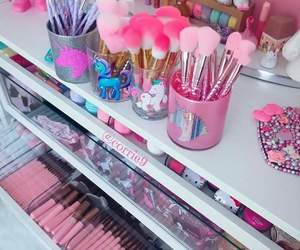 makeup, unicorn, and fashion image