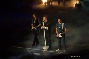 article and rascal flatts image