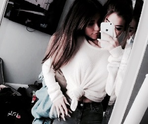 sahar luna and madison beer image