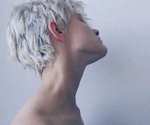 androgynous, blonde, and platinum blonde image