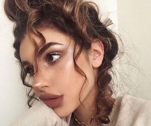 curly hair, girl, and makeup image